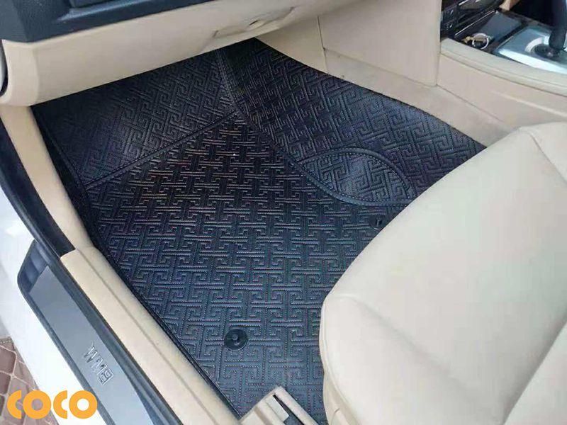 có nên trải sàn da ô tô hay không?